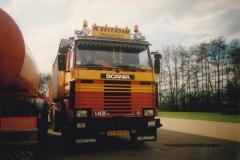 Scania-142H-BZ-44-NV