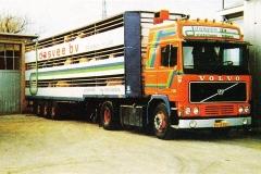 Volvo-F12-Globetrotter-BD-13-DG