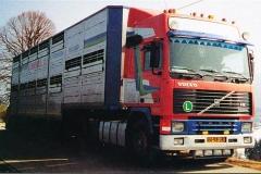 Volvo-F12-Globetrotter-VN-98-JR
