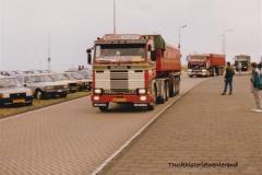 Scania-142M-BH-16-GR